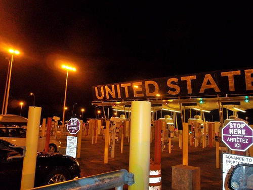 Car Lanes To Get Into US Border From Canada